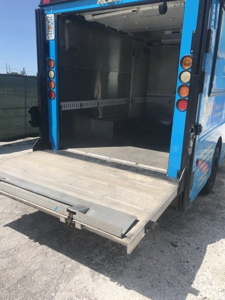 Workhorse Food Truck for sale in florida