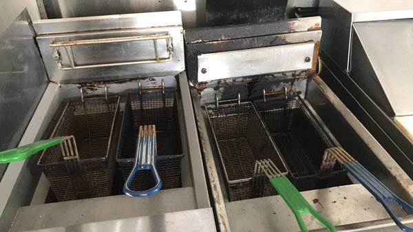 Double Basket 50# fryers of Twisted Iron