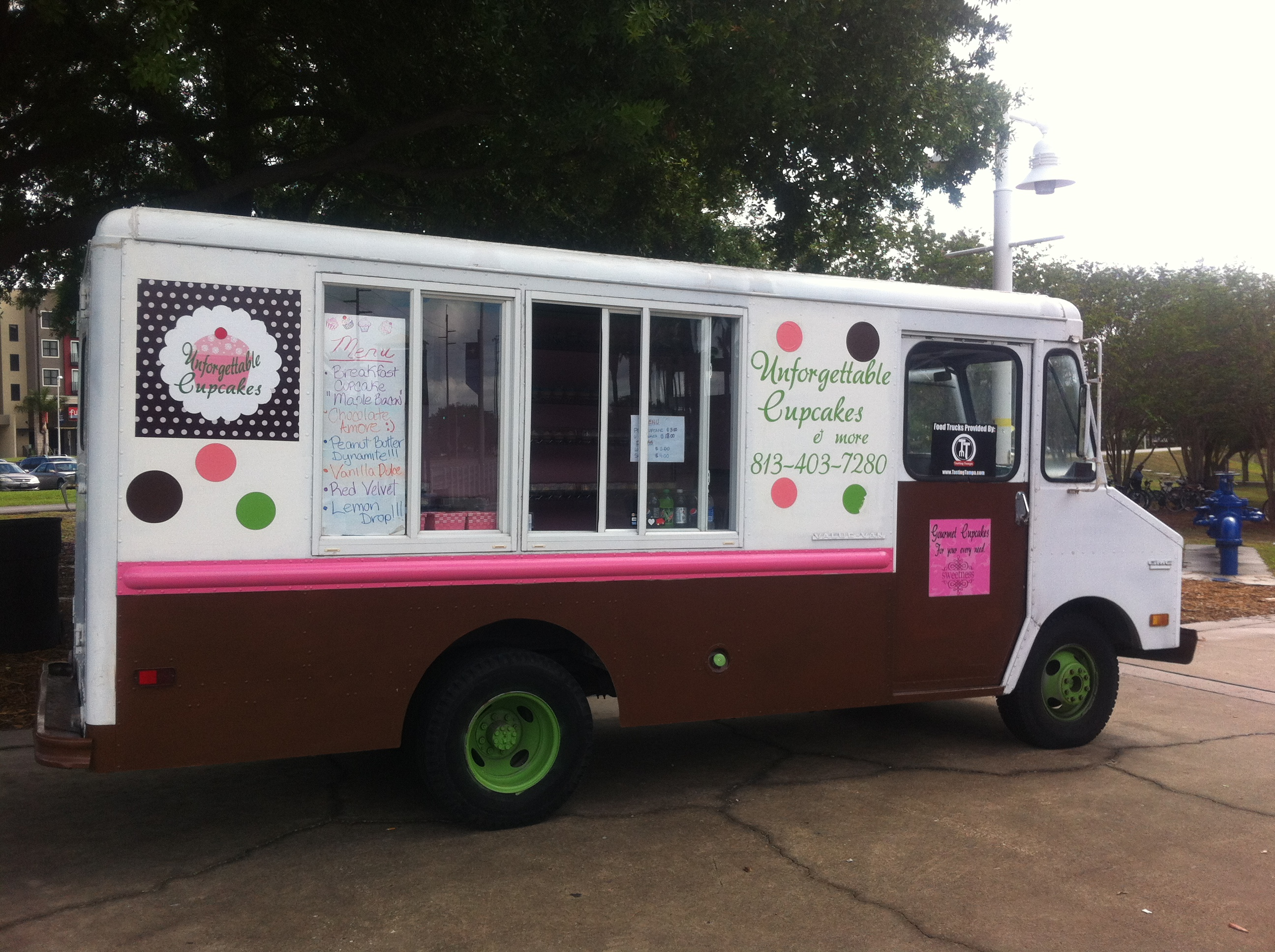 Unforgettable Cupcakes Food Truck For Sale